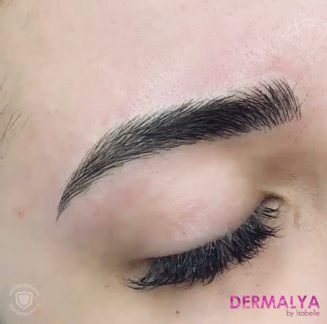 Sourcils maquillage permanent
